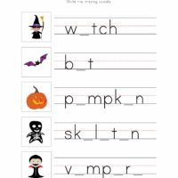 Halloween Writing Worksheet 3